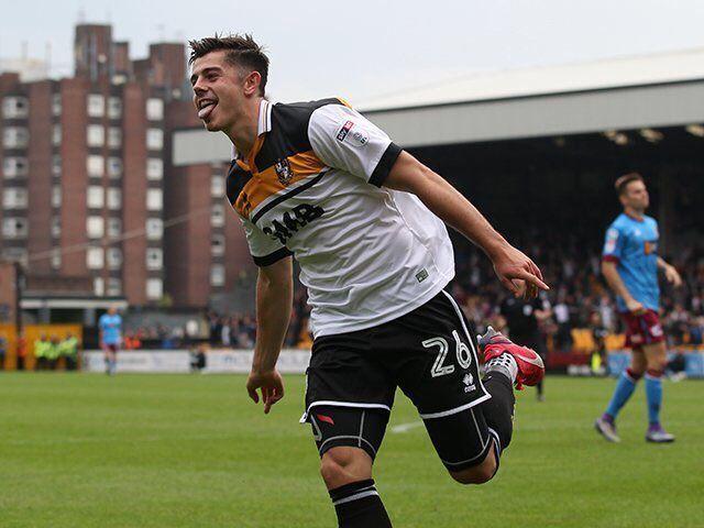 Port Vale - Oxford Utd Alex Jones