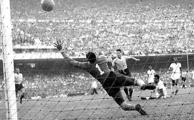Partido historico Mundial de 1950 Brasil 1-2 Uruguay