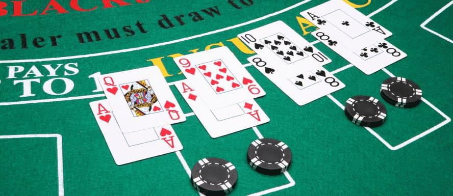 dividir cartas en blackjack